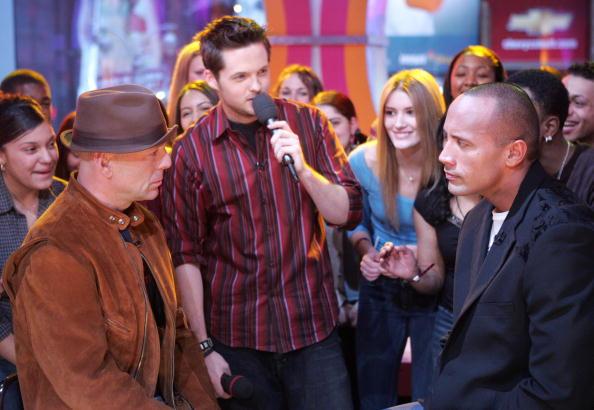 Staring「MTV TRL With The Rock, Bruce Willis And Christina Milian」:写真・画像(0)[壁紙.com]