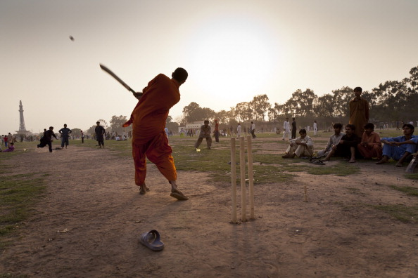 Indian Subcontinent Ethnicity「Cricket In Iqbal Park」:写真・画像(17)[壁紙.com]
