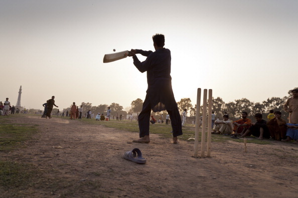 Indian Subcontinent Ethnicity「Cricket In Iqbal Park」:写真・画像(16)[壁紙.com]