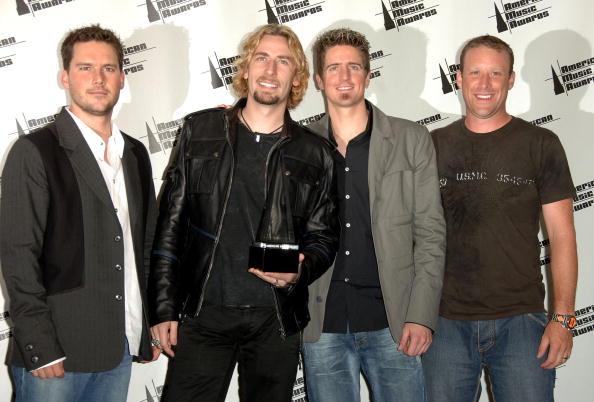 ニッケルバック「2006 American Music Awards - Press Room」:写真・画像(7)[壁紙.com]