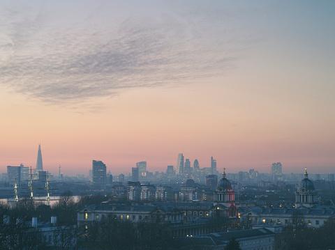 Skyscraper「London City skyline at sunset」:スマホ壁紙(11)