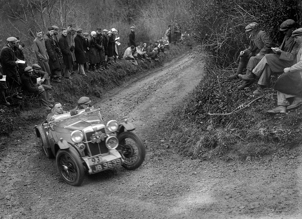 Country Road「MG PA of RA MacDermid of the Cream Cracker Team competing in the MCC Lands End Trial, 1935」:写真・画像(5)[壁紙.com]