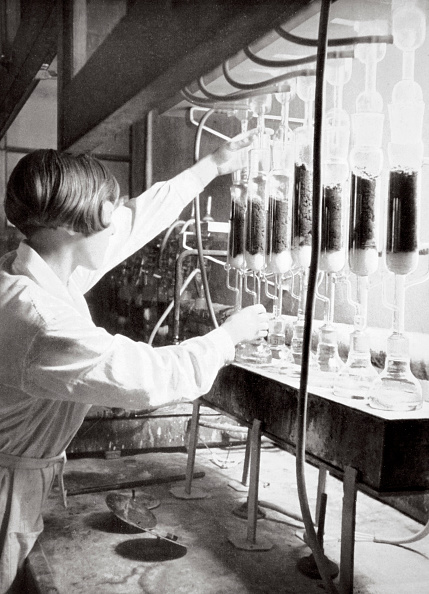 Females「Laboratory Research Work Germany 1936」:写真・画像(17)[壁紙.com]