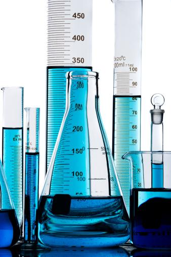 Graduation「Laboratory flasks and blue liquid」:スマホ壁紙(14)