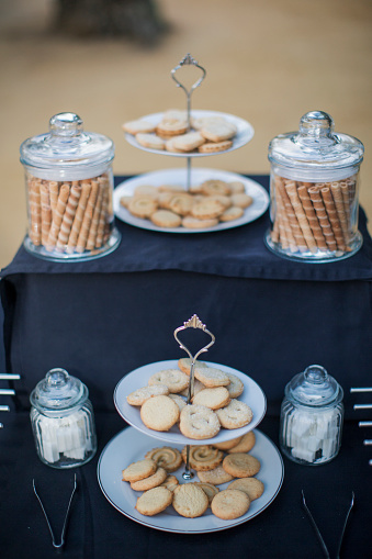 Cookie「Two tier cake stands and jars filled with cookies」:スマホ壁紙(4)