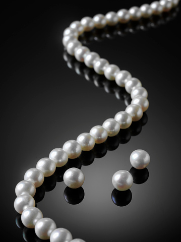 Necklace「White Pearl Necklace」:スマホ壁紙(16)
