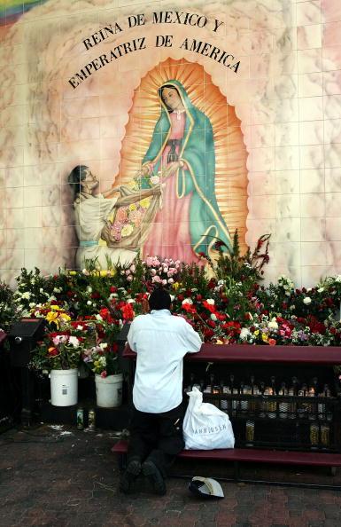 David McNew「Catholics Pray For Ailing Pope」:写真・画像(8)[壁紙.com]