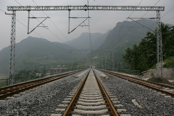Chongqing「Building China's new railway between Chongqing and Huaihua. Aspects of the new railway between Wulong and Baima. August 2005.」:写真・画像(9)[壁紙.com]