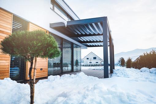 Deck Chair「Modern villa after snowfall」:スマホ壁紙(0)