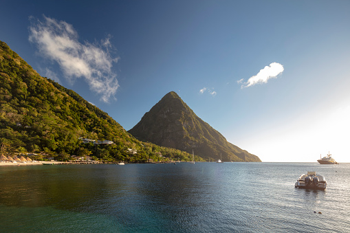 Gros Piton「Gros Piton - the famous volcanic peak in St Lucia, 2019」:スマホ壁紙(3)