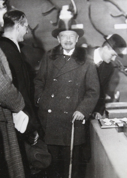 Saxony「Ex-King Friedrich August Iii. Of Saxony (1865-1932) Visits The Green Week In Berlin. 1932. Photograph.」:写真・画像(5)[壁紙.com]