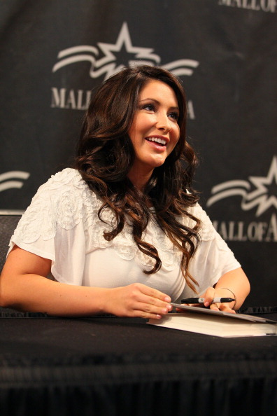 """Architectural Feature「Bristol Palin Signs Copies Of """"Not Afraid of Life: My Journey So Far""""」:写真・画像(12)[壁紙.com]"""