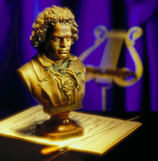 Bust statue of Beethoven:スマホ壁紙(壁紙.com)