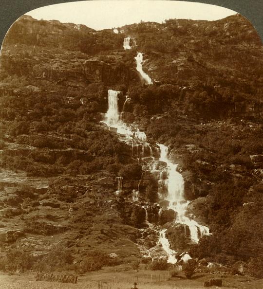 Splashing「Rustoen Falls」:写真・画像(14)[壁紙.com]