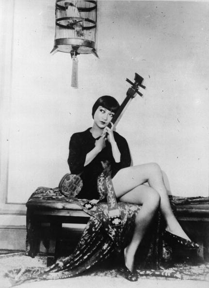 String「Actress Sitting」:写真・画像(19)[壁紙.com]