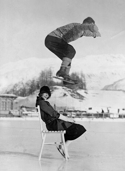 Jumping「Chair Skate Leap」:写真・画像(9)[壁紙.com]