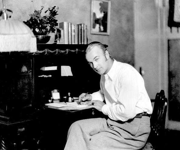 Writing「William Boyd」:写真・画像(11)[壁紙.com]