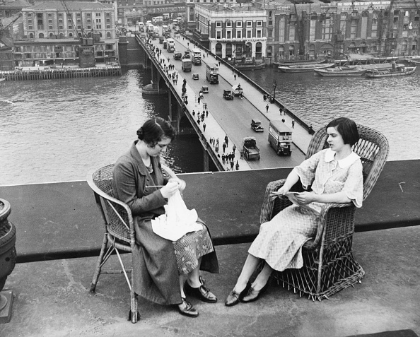 London Bridge - England「Women Of Leisure」:写真・画像(8)[壁紙.com]