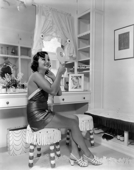 Beauty「Dressing Room」:写真・画像(12)[壁紙.com]