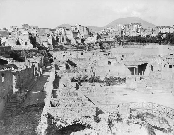 Volcanic Landscape「Herculaneum」:写真・画像(19)[壁紙.com]