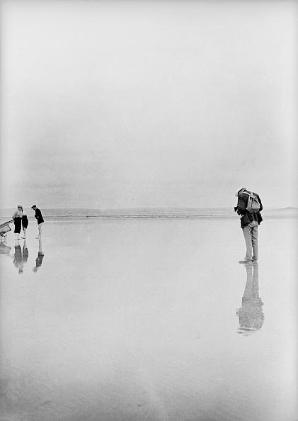 Chaloner Woods「Beach Photographer」:写真・画像(3)[壁紙.com]