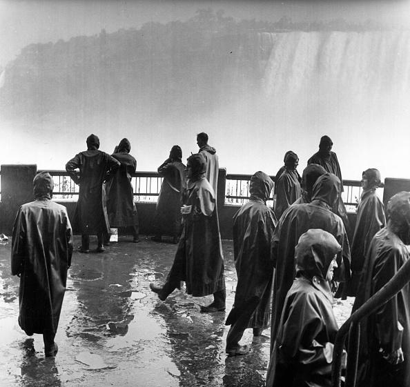 Helmut Kretz「Waterproof Coats」:写真・画像(8)[壁紙.com]