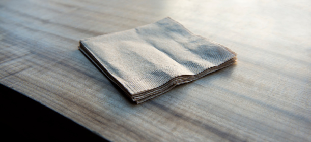 Napkin「Paper napkins on a wooden table」:スマホ壁紙(10)