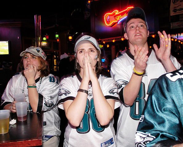 Philadelphia - Pennsylvania「Hopeful Eagles Fans Watch Super Bowl XXXIX」:写真・画像(6)[壁紙.com]