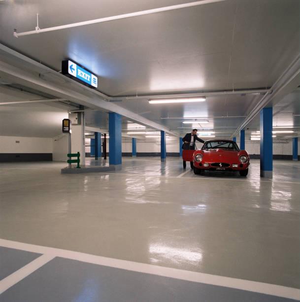 Underground car park:ニュース(壁紙.com)