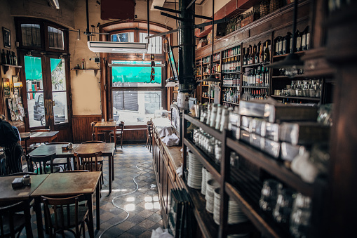 Buenos Aires「Empty city cafe in Buenos Aires」:スマホ壁紙(14)