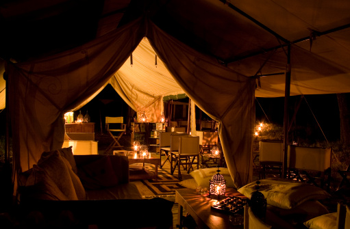 Entertainment Tent「Tented safari camp by night」:スマホ壁紙(2)