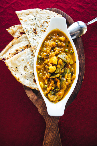 Vegetable Curry「Vegetable curry on a plate. North Indian food」:スマホ壁紙(15)