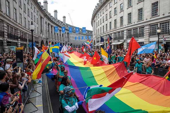 Rainbow「Out And Proud- London Unites For Pride Parade」:写真・画像(3)[壁紙.com]