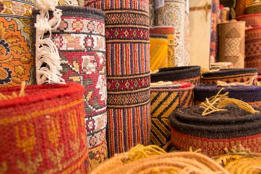 Rajasthan「Rolled up carpets for sale, Jaipur, Rajasthan, India」:スマホ壁紙(7)