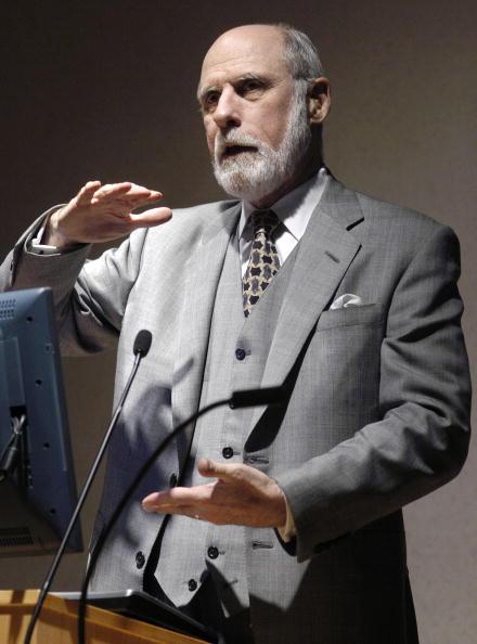 Human Arm「Vinton Cerf Speaks At Temple University In Philadelphia」:写真・画像(16)[壁紙.com]