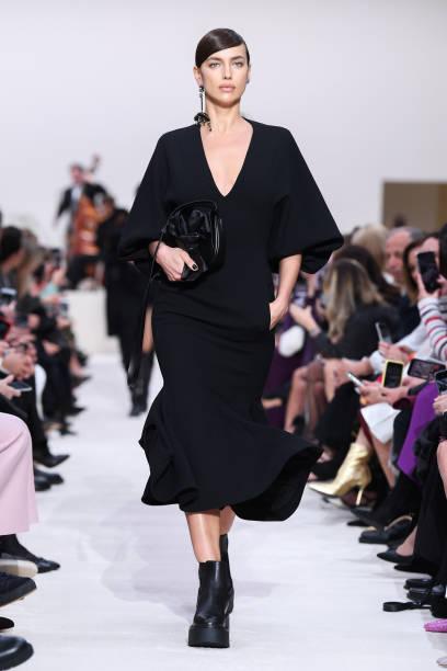 Valentino : Runway - Paris Fashion Week Womenswear Fall/Winter 2020/2021:ニュース(壁紙.com)