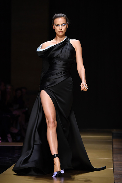 Atelier Versace「Atelier Versace : Runway - Paris Fashion Week - Haute Couture Fall/Winter 2016-2017」:写真・画像(9)[壁紙.com]