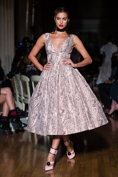 ロンドンファッションウィーク「GILES - Runway - LFW SS16」:写真・画像(1)[壁紙.com]