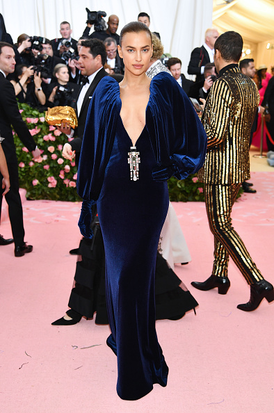 Blue Dress「The 2019 Met Gala Celebrating Camp: Notes on Fashion - Arrivals」:写真・画像(16)[壁紙.com]