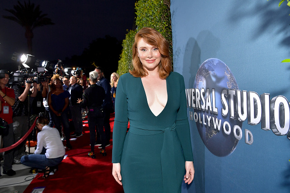 "Emerald Green「""Jurassic World—The Ride"" Grand Opening Celebration at Universal Studios Hollywood」:写真・画像(12)[壁紙.com]"