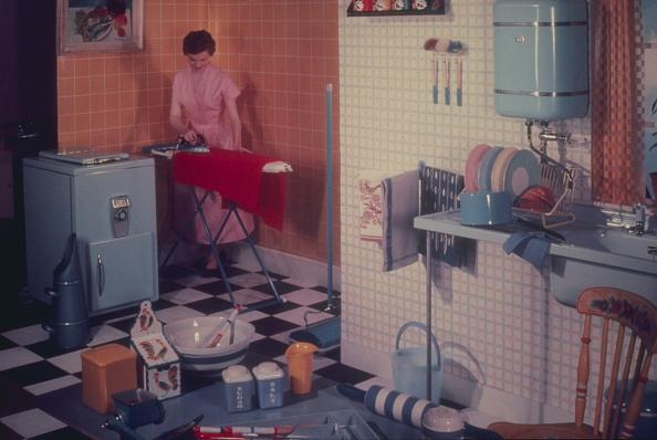 Kitchen「Ironing At Home」:写真・画像(5)[壁紙.com]