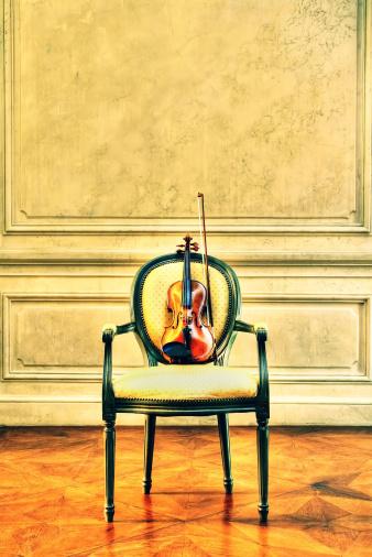 アート「バイオリンを演奏」:スマホ壁紙(10)