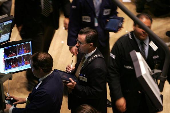 Dow Jones Industrial Average「Stocks Open Lower Then Recover」:写真・画像(2)[壁紙.com]