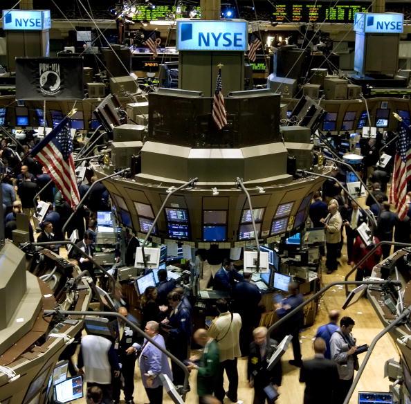Dow Jones Industrial Average「Dow Falls On Rate Cut Doubts」:写真・画像(15)[壁紙.com]