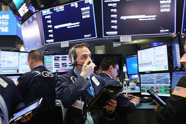 Lower Manhattan「Markets React As Federal Reserve Raises Short-Term Interest Rates」:写真・画像(4)[壁紙.com]