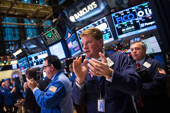 Stock Market and Exchange「Dow Rises Over 400 Points Day After Fed Signals No Rise In Interest Rates」:写真・画像(7)[壁紙.com]