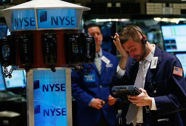 Recession「Obama Signs Stilumus Package, As Stocks Near Novemember Low」:写真・画像(15)[壁紙.com]