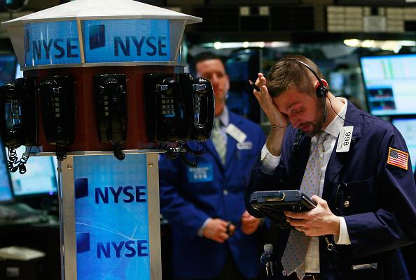 Crisis「Obama Signs Stilumus Package, As Stocks Near Novemember Low」:写真・画像(18)[壁紙.com]