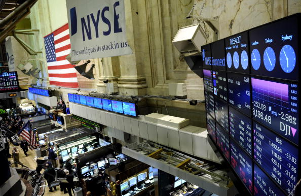Flooring「Dow Plunges After Release Of Grim Economic Reports」:写真・画像(14)[壁紙.com]
