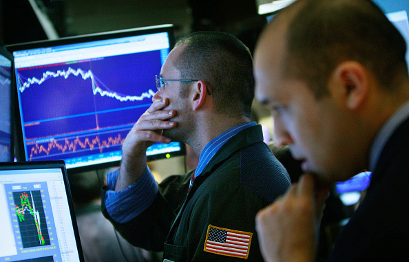Stock Market and Exchange「Dow Drops Below 7000 For First Time In 12 Years」:写真・画像(10)[壁紙.com]